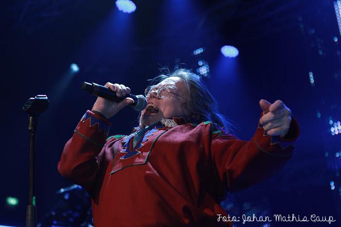 Piera Somby singing